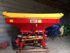 Krm Bredal F2 Fertilizer Spreader ... Fakenham
