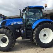 New Holland T7. 210 Side Winder... Witney