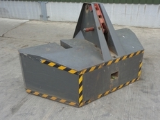 2500 KG Front Weight Block