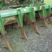 Used Amazone 6 Leg leading tines... York