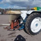 Fertiliser spreader: Vibrax 500kg... Omagh