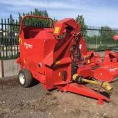 Bale Spreaders & Feeders Kverneland 853 Straw Chopper... Shre...