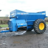 West 1600 dual spreader