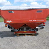 Kuhn Axis 301 Fertiliser Spreader