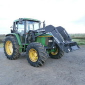 John Deere 6400 with loader