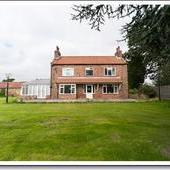 4 BEDROOM FARMHOUSE WITH STABLES ON 5 ACRES.